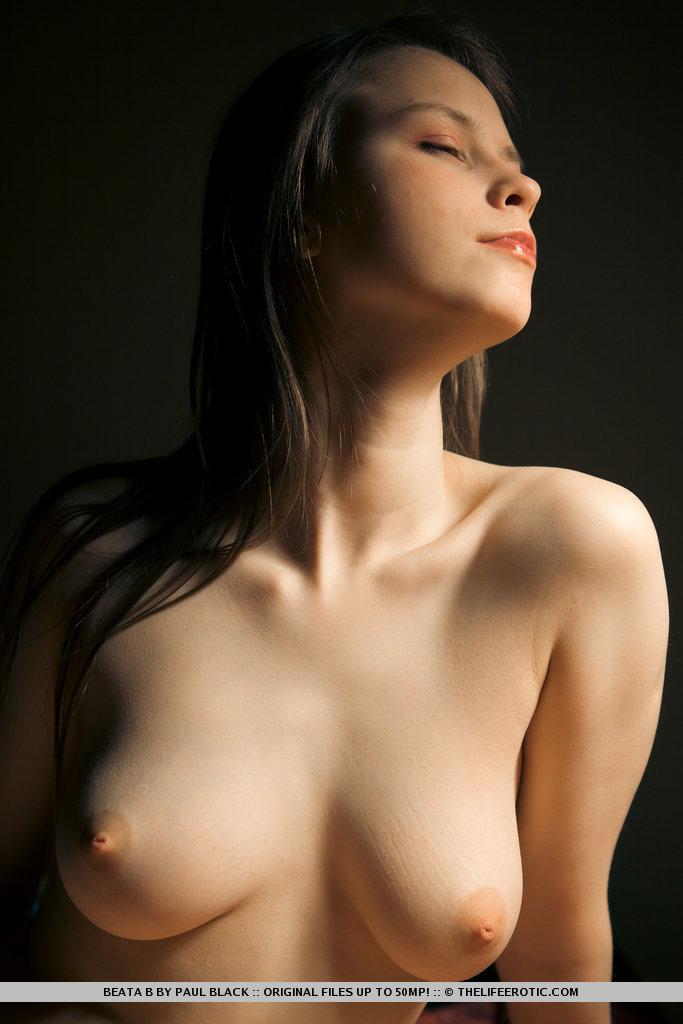 the life erotic   beautiful nude girls